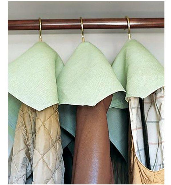 Защита вещей в шкафу при помощи салфеток