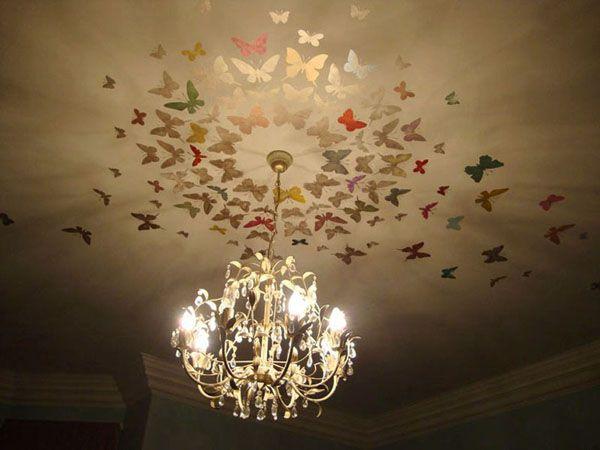 Украшение потолка, вокруг люстры, бабочками
