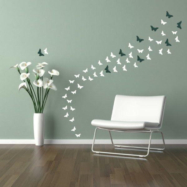 Расклеиваем бабочек на по своему стилю