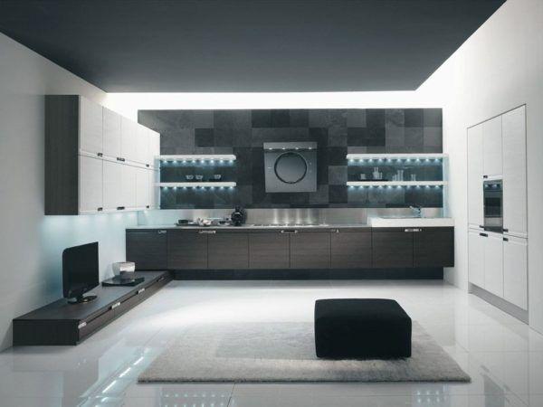 Кухня гостиная с современным функциональным оборудованием