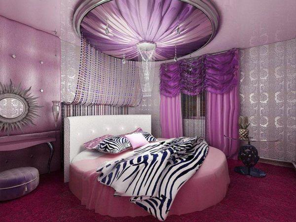 Перегруженность комнаты в цветовых тонах