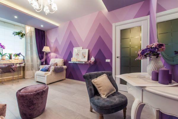Несколько оттенков фиолетового в декоре стен