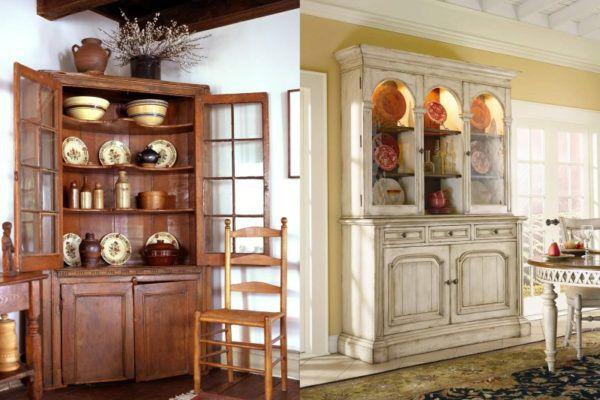 Кухонные принадлежности на полках стареньких шифоньеров в стиле прованс