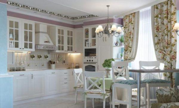 Кухня со светлыми тонами