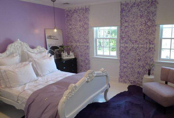 Спальня с тёмным ковром