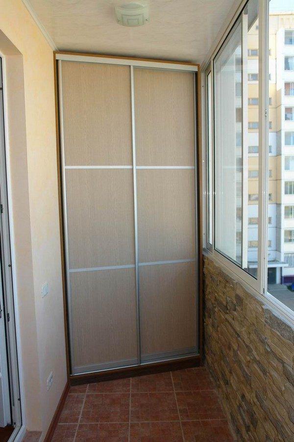 Аналогичный дизайн кладовки на балконе