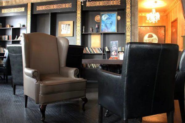 Английские кресла в кабинете