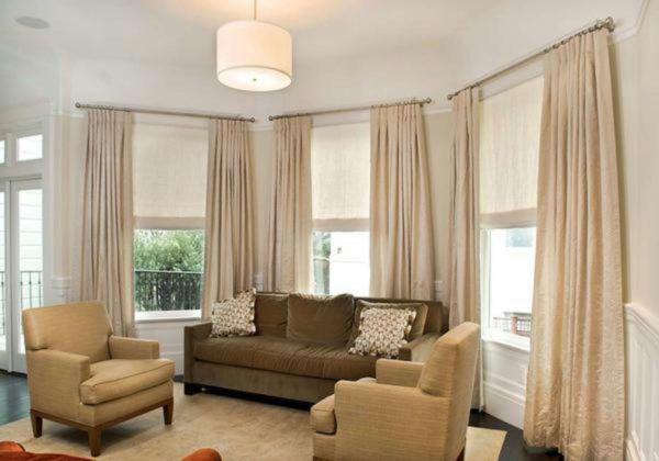 Бежевые шторы для гостиной