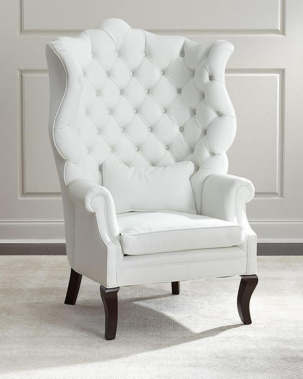 Белое Wing Chair