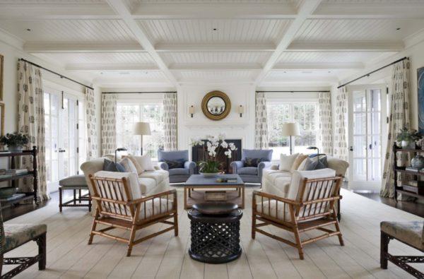 Большая, светлая и просторная гостиная комната