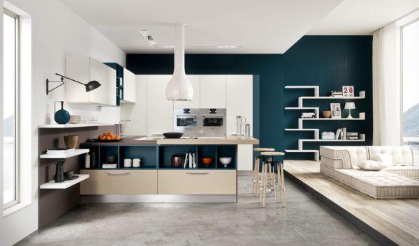 В дизайне кухни в стиле хай-тек бра нужны для освещения рабочей зоны