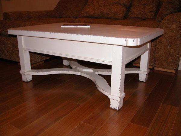В качестве грунта можно использовать акриловую краску белого или пастельного цвета