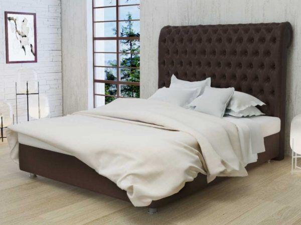 В спальне американского стиля должна быть большая кровать