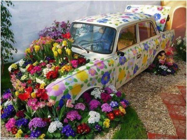 Декор в виде автомобиля