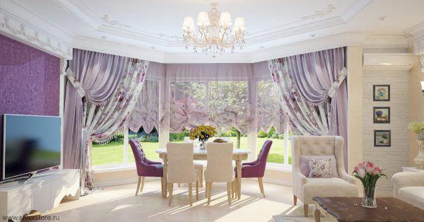Для гостиной лучше подойдут однотонные длинные портьеры либо с ламбрекенами, либо без них