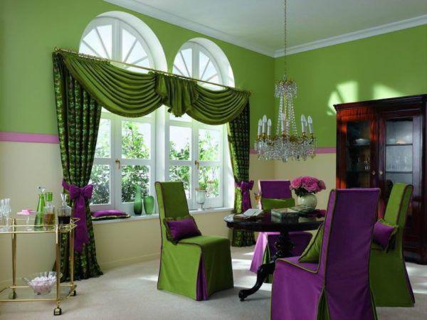 Зеленые шторы в интерьере гостиной фото