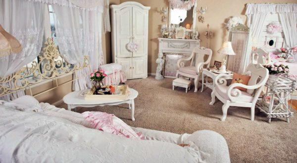 Интерьер комнаты в стиле шебби-шик