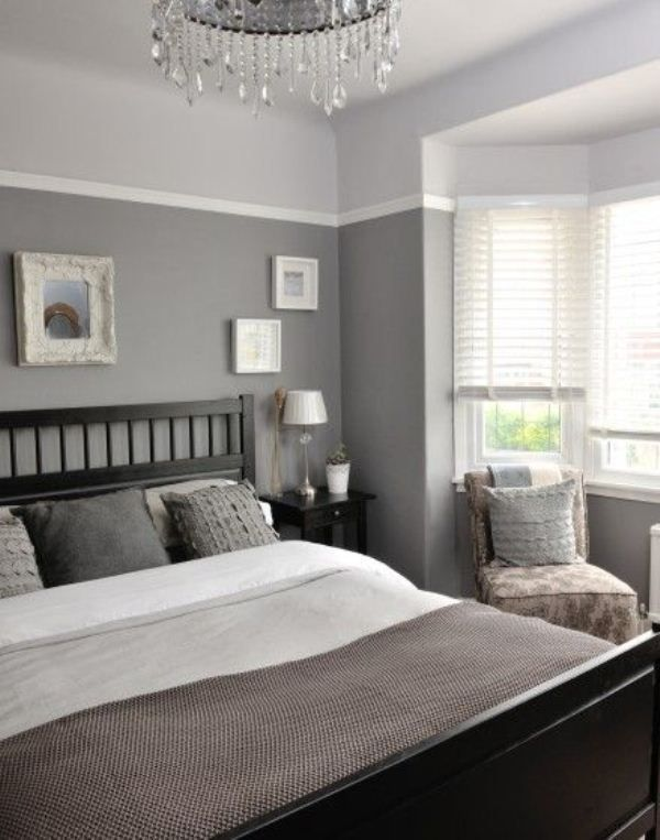 Интерьер комнаты с сочетанием серых и белого оттенков
