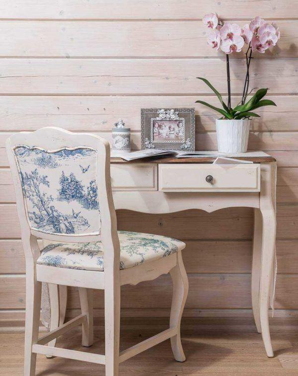Искусственно состаренная мебель
