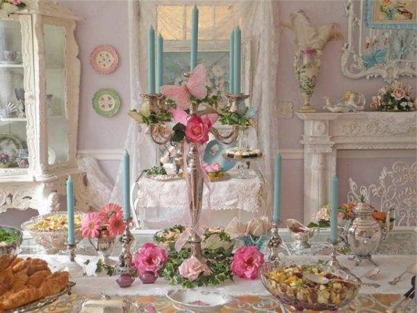 Искусственные цветы отличный декор для интерьера комнаты