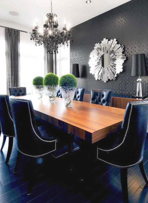 Классическая люстра в интерьере комнаты стиля Арт-деко