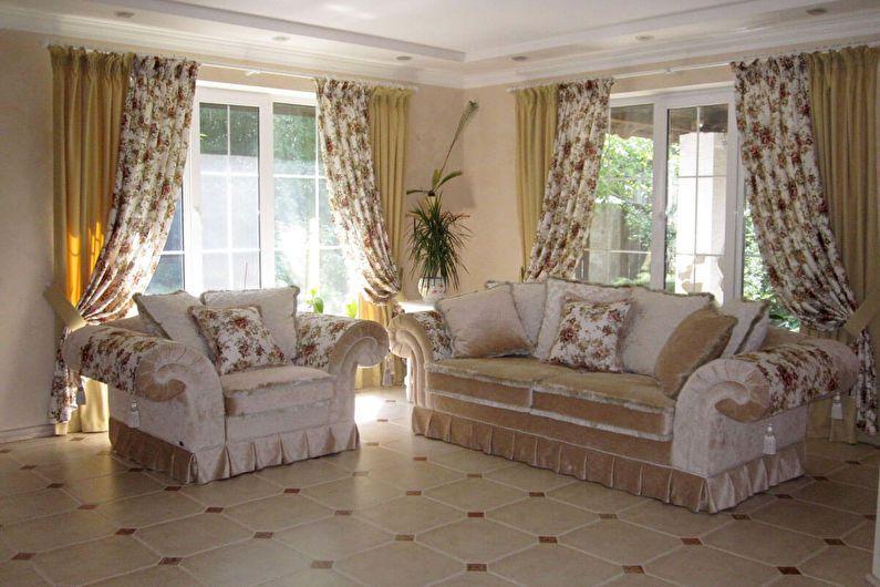 Классические шторы в стиле прованс гармонично сочетаются с общим интерьером