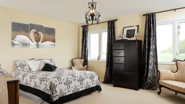 Красивая картина для спальни