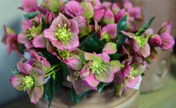 Красивые искусственные цветы