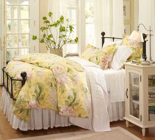 Красивый дизайн спальни в стиле прованс