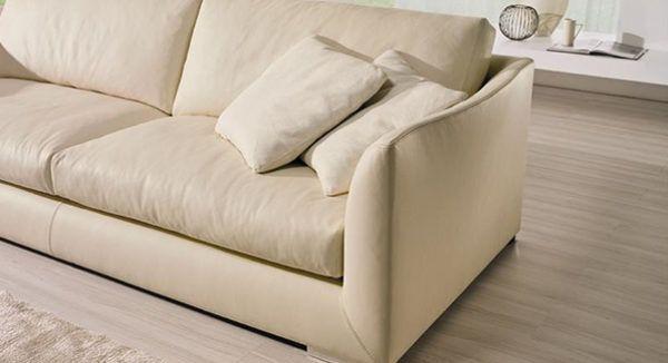 Обшивка дивана материалом в тон комнаты
