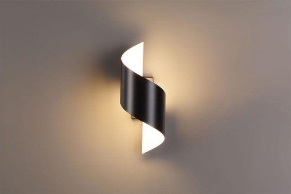 Оригинальный светильник настенный