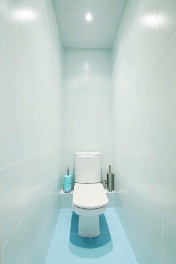 Освещение в туалете играет большую роль