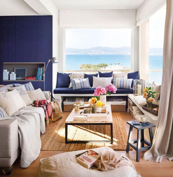 Отличное сочетание оттенков средиземноморского побережья в гостиной