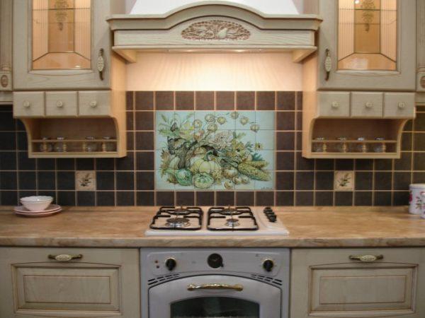 Панно из плитки на кухне