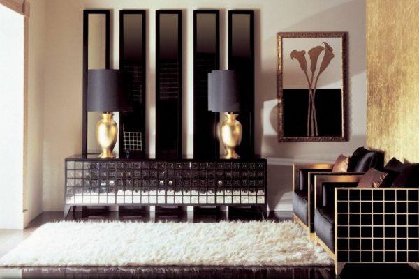 Позолоченные элементы декора гармонично сочетаются с общим дизайном комнаты в стиле Арт-деко
