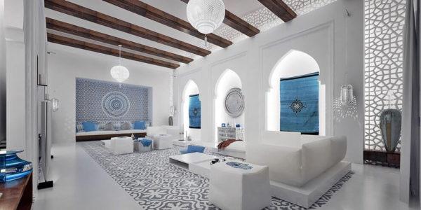 Потолок с балками под сосну
