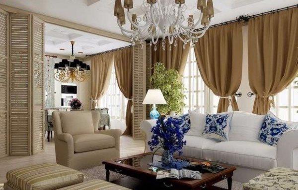 Потолочные люстры устанавливаются в гостиной и столовой