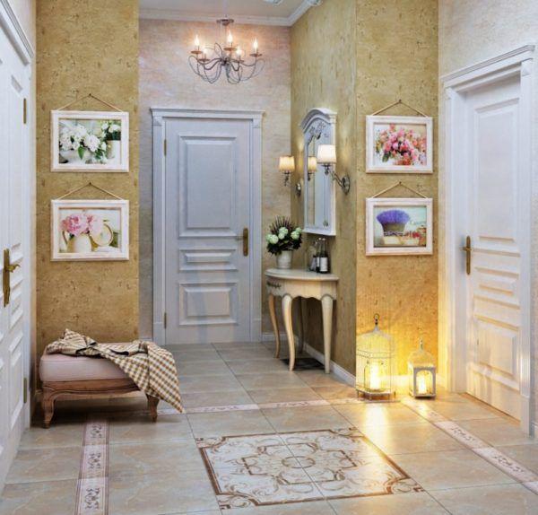 Прихожая в стиле прованс, цветочные картины, светлая деревянная мебель