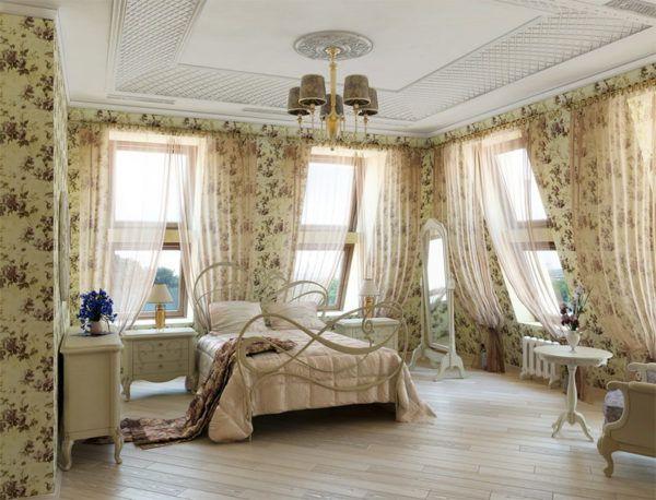 Прованс соткан из натуральных тканей и теплых красок