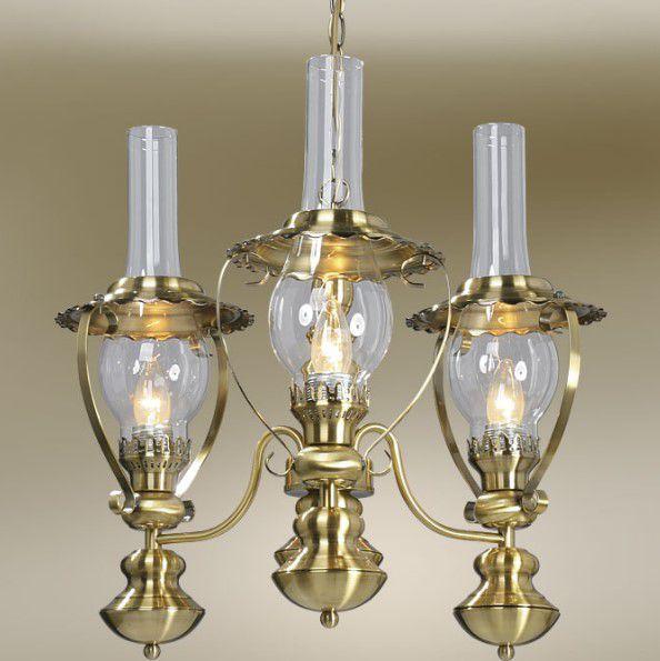 Русский стиль с имитацией керосиновой лампы на люстре