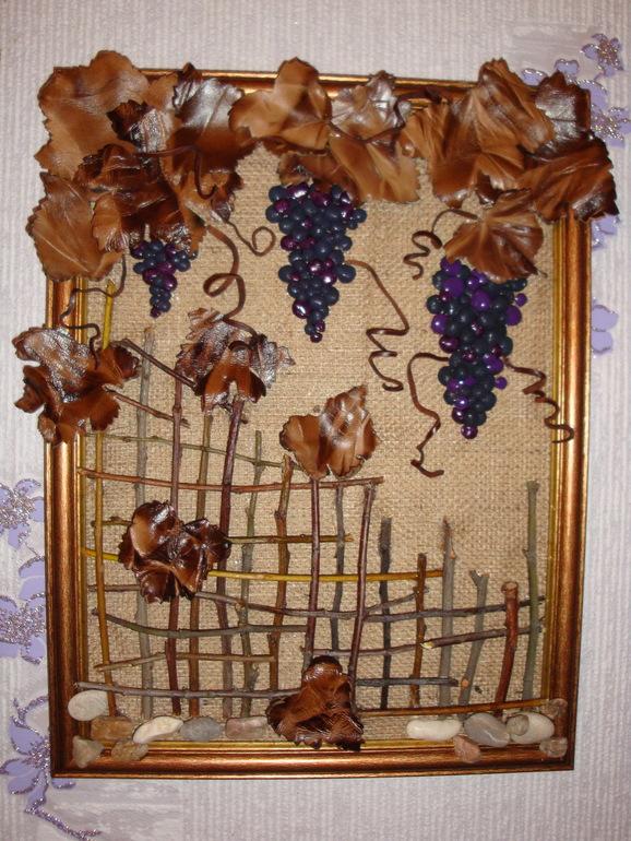 Самодельная рамка с засушенными цветами, ветками