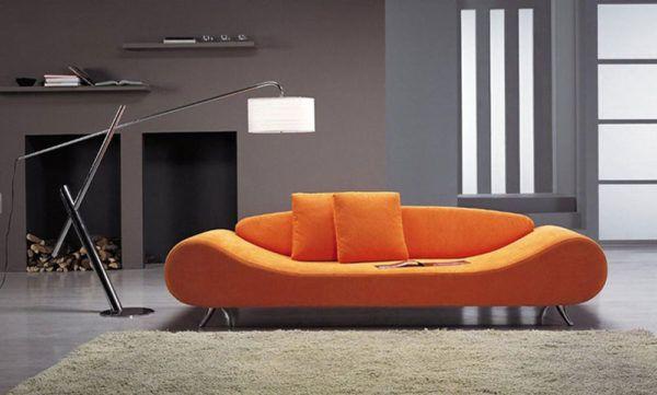 Серый интерьер в сочетании с оранжевой мебелью