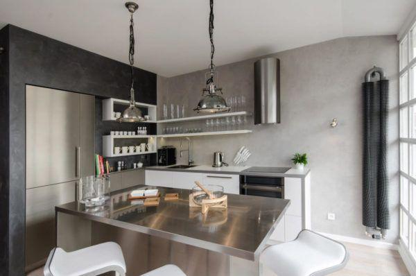 Сочетание черного и белого цвета при оформлении интерьера кухни