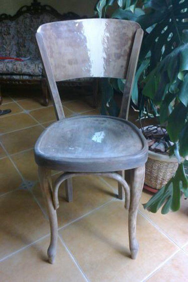 Тщательно ошкуриваем поверхность стула