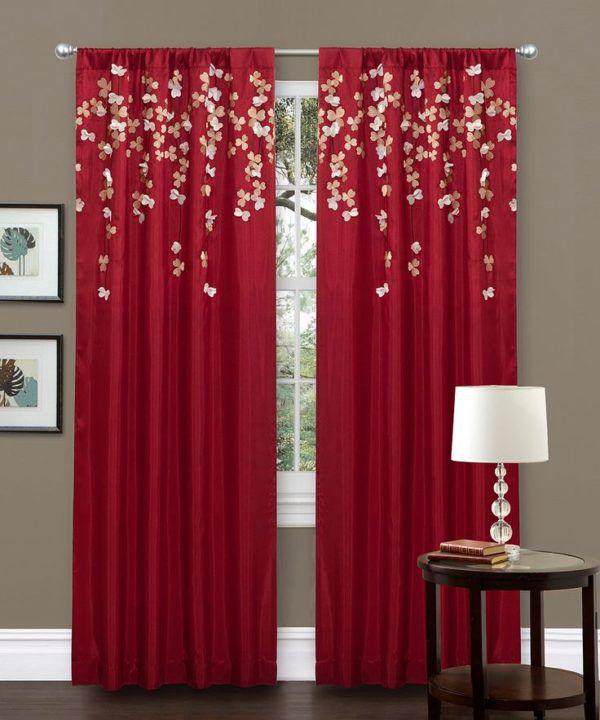 Фото красных штор