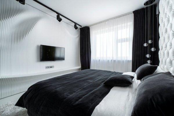 Черные шторы и белые стены