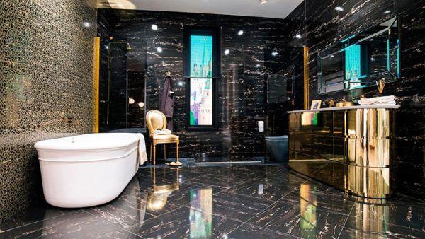 Черный мрамор в ванной комнате