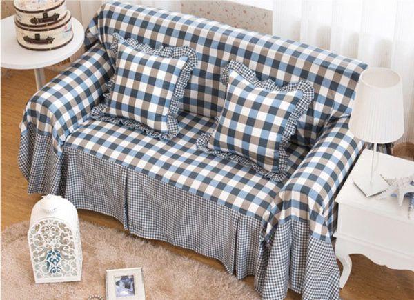 Чехол для дивана и наволочки для подушек одного тона