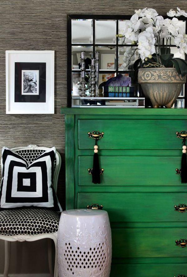 Шикарный интерьер в серых и темно-зеленых оттенках