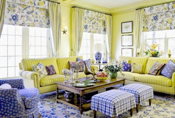 Яркие рулонные шторы с цветочным принтом отлично гармонируют с цветовой гаммой декоративных элементов и мебели